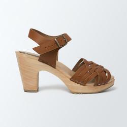 Sabot-sandales tressage fin en cuir vegetal camel