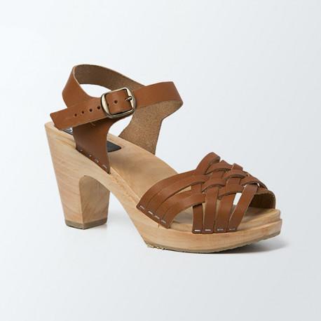 Sabot-sandales tressage fin en cuir camel végétal