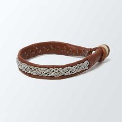 Bracelet artisanal lapon fin, en cuir camel et fils d'argent