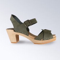 Sabot-sandales en nubuck kaki à lanières entrecroisées