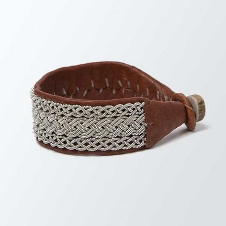 Bracelet artisanal lapon large, cuir camel et tressage argenté