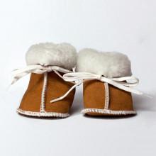 Produit d'exception. Chausson suédois en peau de mouton retournée, laine certifiée d'origine suédoise et entièrement naturel et respectueux de l'environnement.