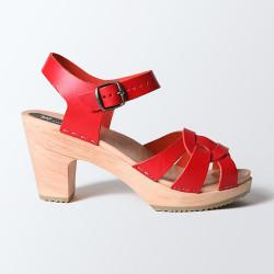 Sabot-sandales en cuir rouge ajourés