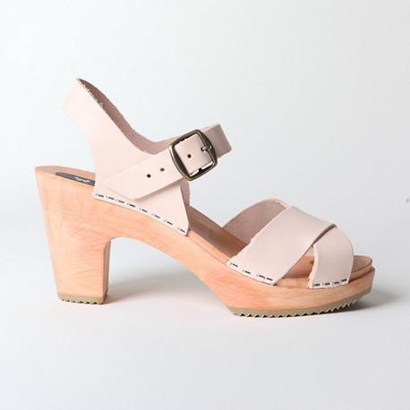 Sabot-sandales en cuir naturel à lanières entrecroisées
