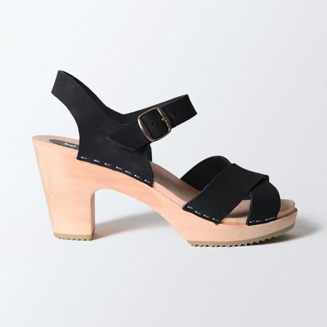Sabot-sandales en cuir noir à lanières entrecroisées