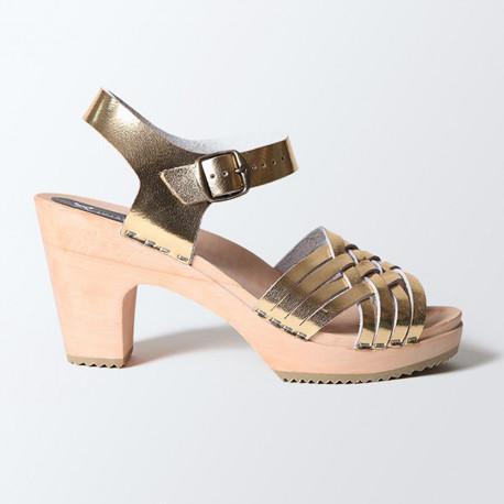Sabot-sandales en cuir gold tressage fin