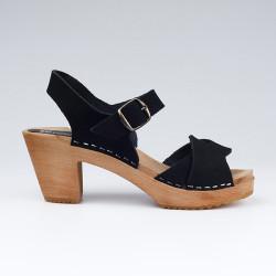 Sabot-sandales en cuir gras noir à lanières entrelacées